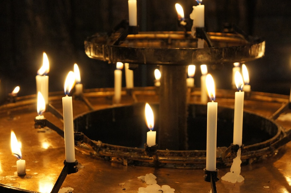 candles-398830_960_720