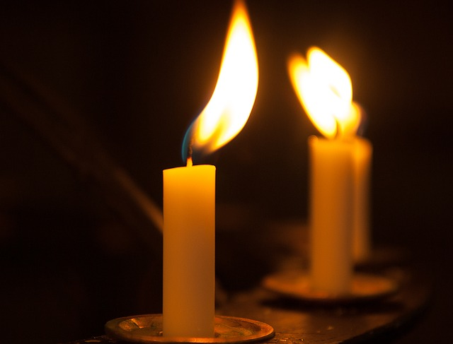 candles-1230941_640