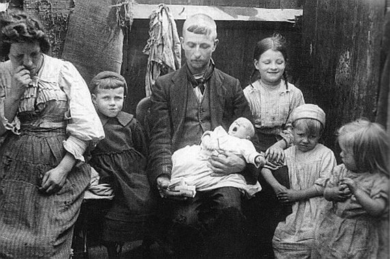 poor-workhouse-family